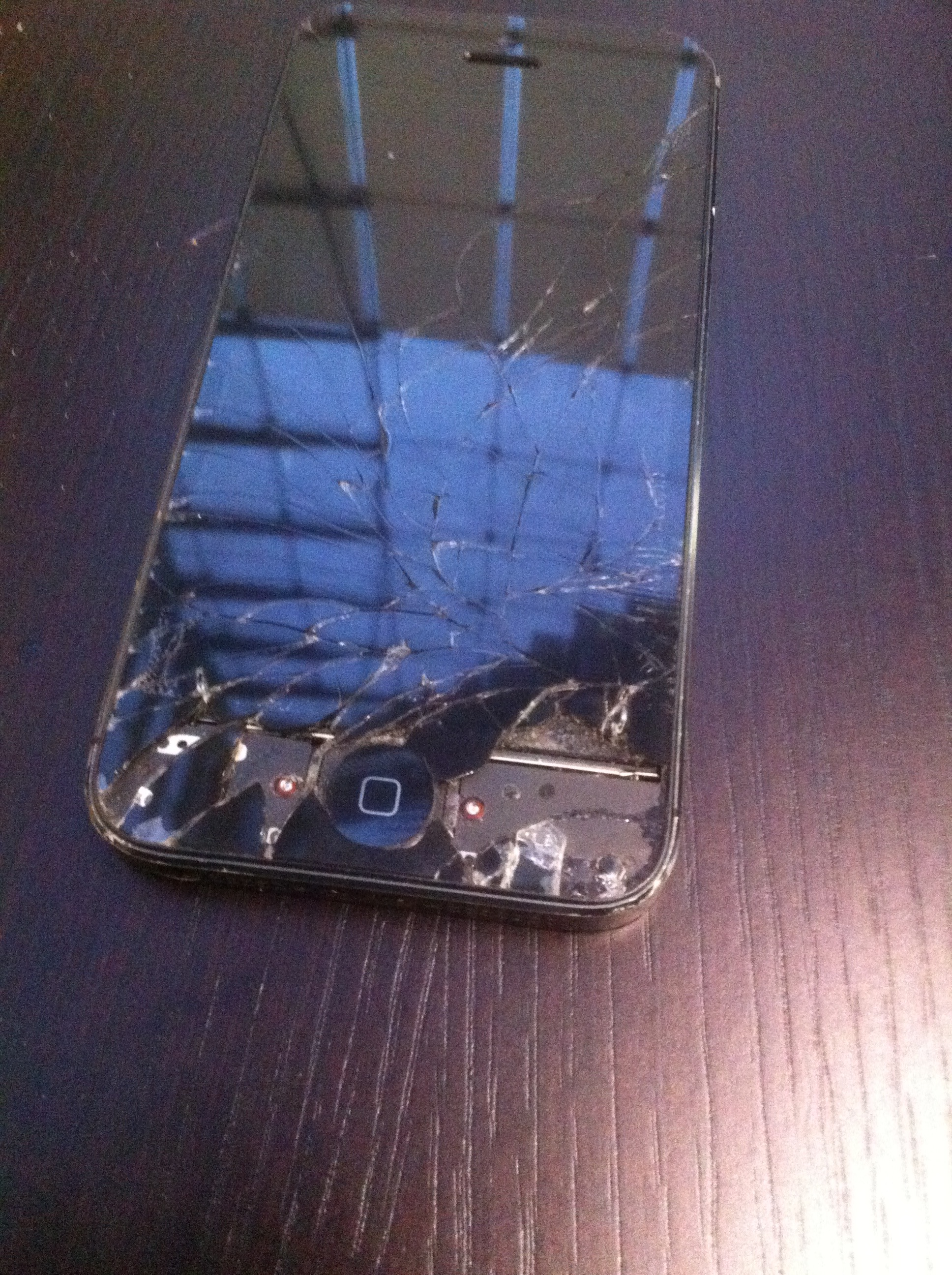 My Daughter broke my iphone 4s