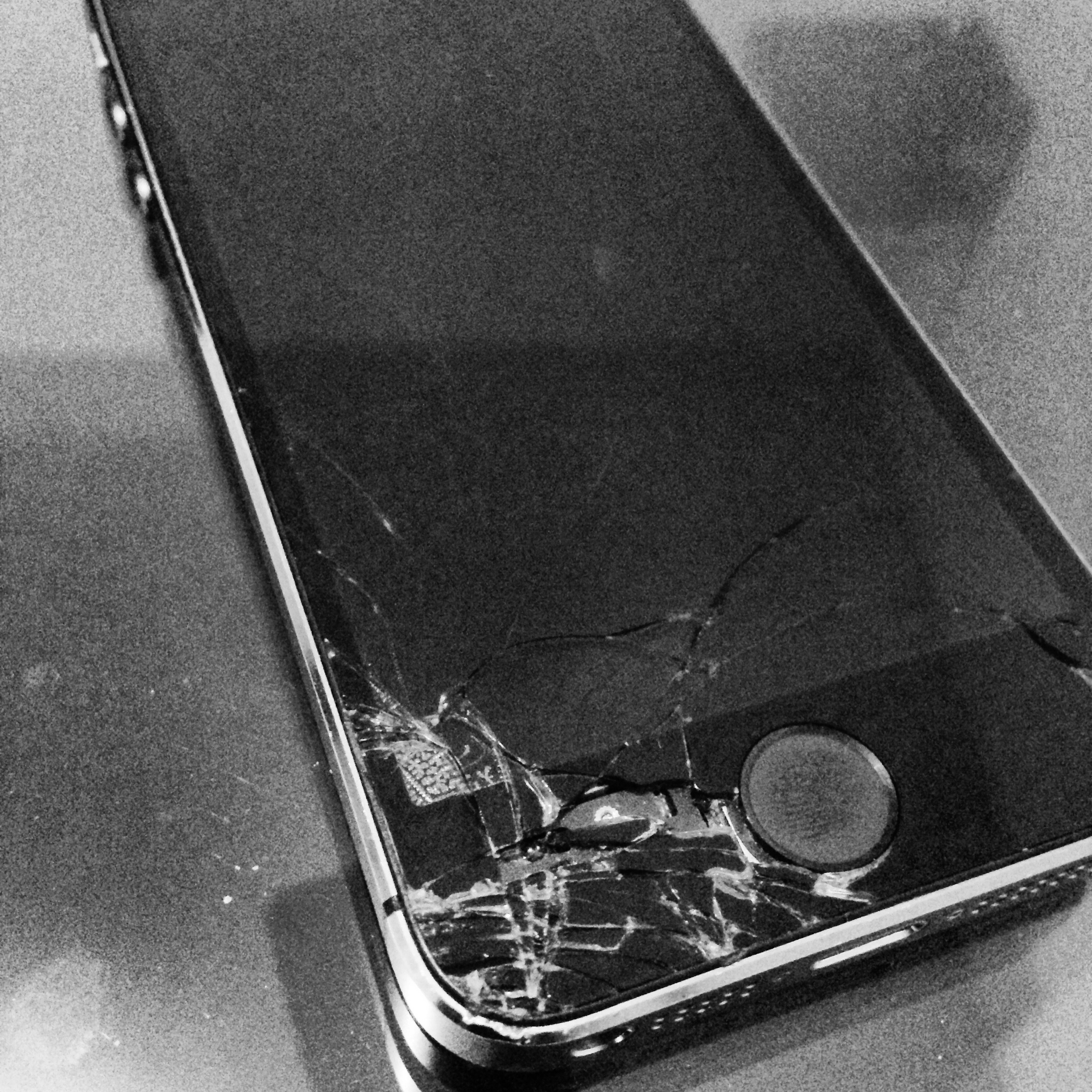Help! iPhone Screen Replacement! My iPhone Screen Cracked
