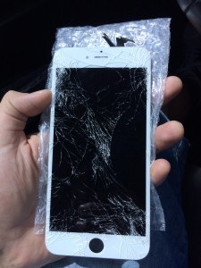Cracked iPhone 6S Screen