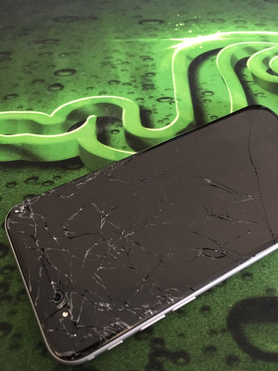 iPhone 7 Screen Smashed in Dubai