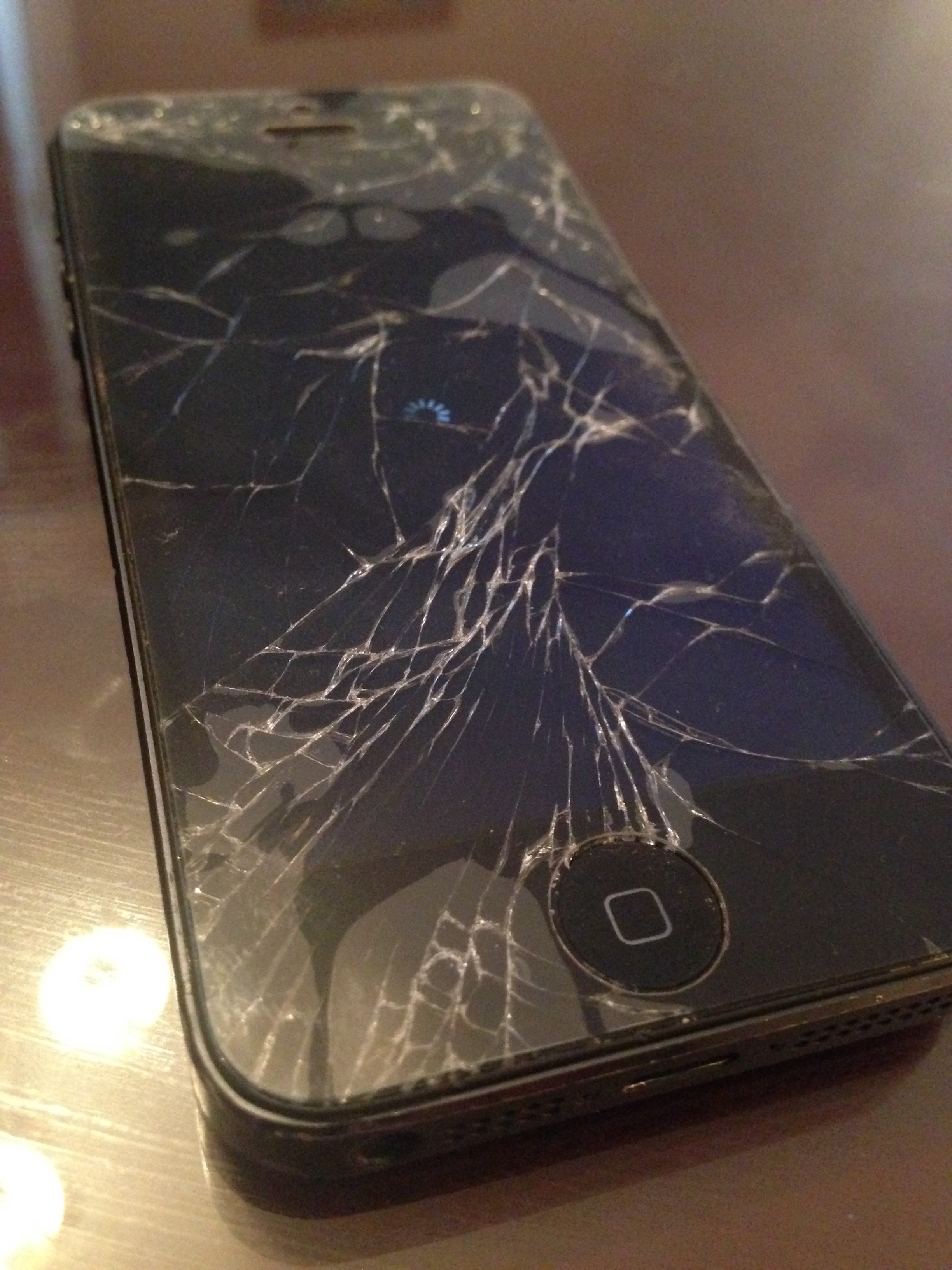 broken iphone screen help my and iphone screens need replacing iphone 10310