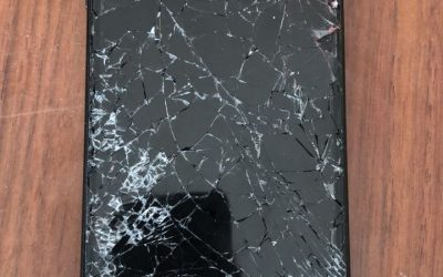 Down and Out with a Shattered iPhone Screen in DXB